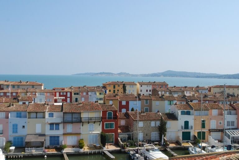 houses-provence-port-grimaud